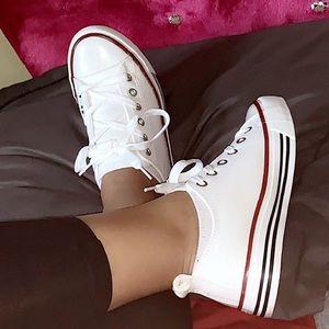🆕 Trendy low cut sneakers 👟